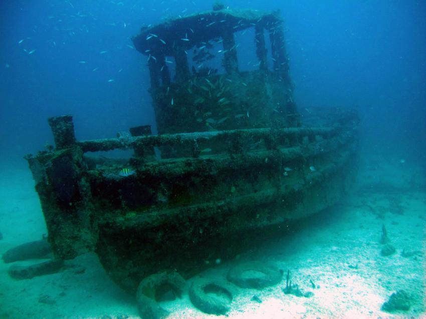 Small Tug wreck, Lumbadive PADI 5 STAR RESORT, Tyrrel Bay, Carriacou - Grenada W.I., Grenada