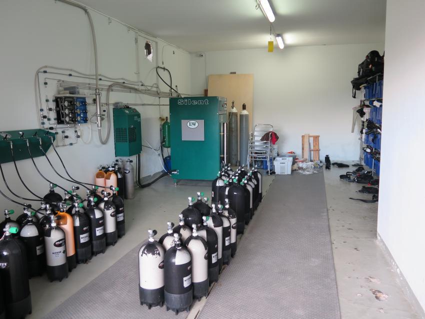 Kompressorraum, Extra Divers - Malta, Marfa Bay , Malta, Malta - Hauptinsel