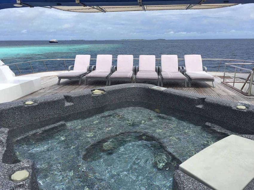 Honors Legacy, Malediven