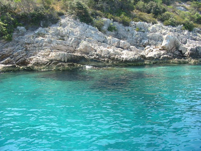 Insel Hvar, Insel Hvar,Kroatien,höhleneingang,felsen,küste