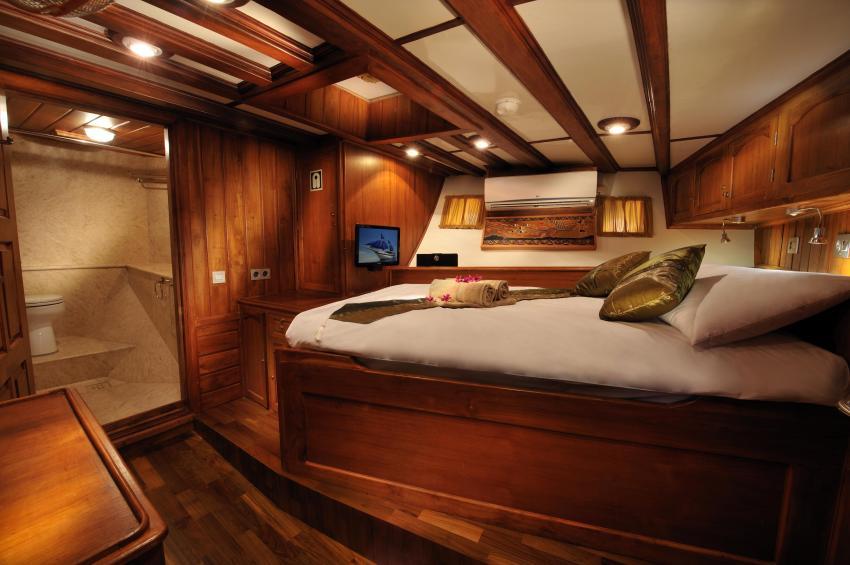 Double Cabin, S/Y Palau Siren, Palau