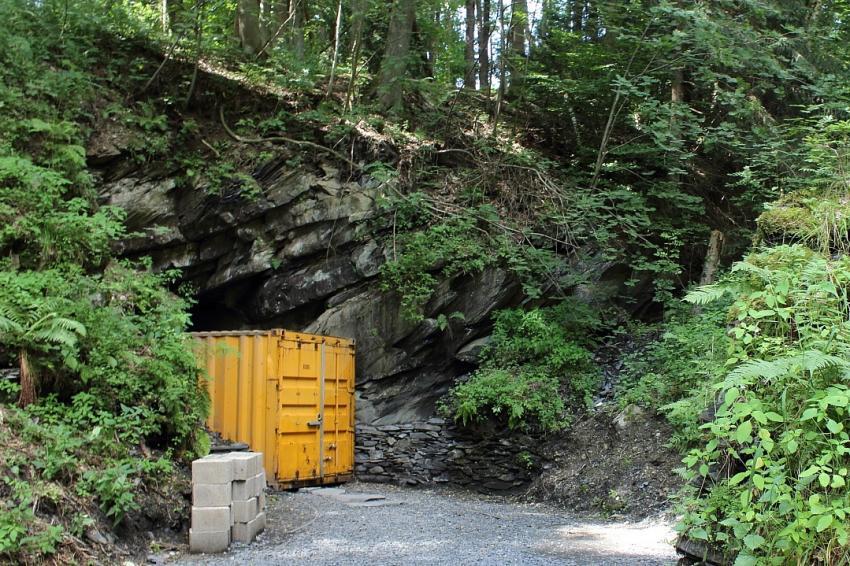 Schieferbergwerk Nuttlar, Nuttlar, Bergwerktauchen, Bergwerktauchen, Nuttlar, Deutschland, Nordrhein-Westfalen
