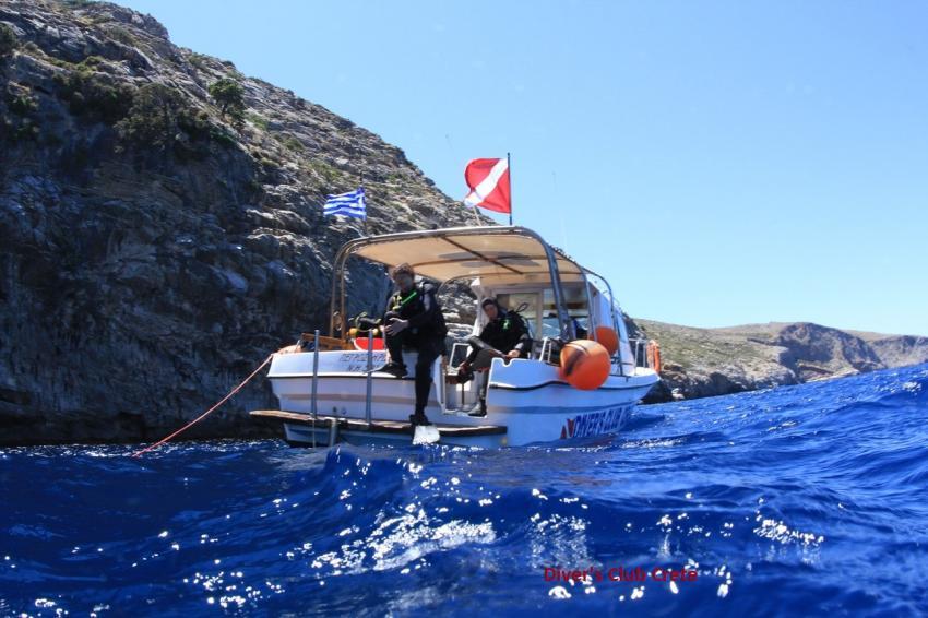 Blue Cave - Dive Boat, Blue Cave, Divers Club Crete, Agia Pelagia, Kreta, Griechenland