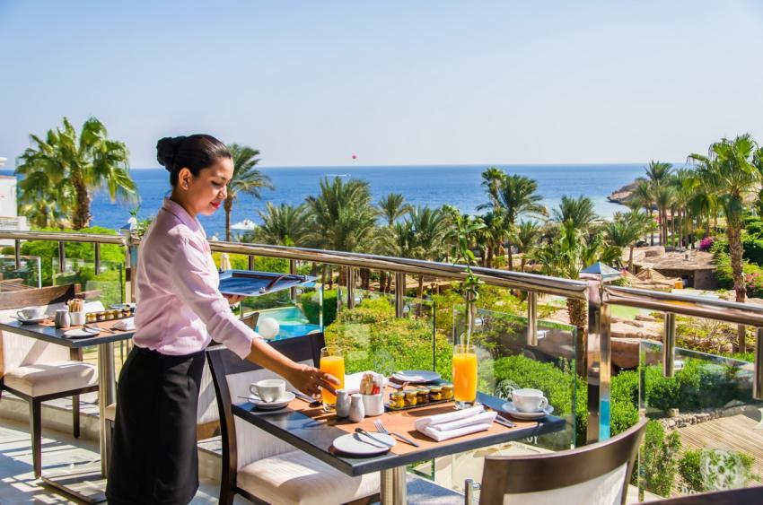 """Es gibt Taucher, die bevorzugen einfache """"Taucherhotels"""". Und es gibt andere, die auch bei einem Tauchurlaub Wert auf Service und Komfort legen: Diese sind im Royal Savoy bestens aufgehoben, Royal Savoy, Sharm el Sheikh, Ägypten, Sinai-Süd bis Nabq"""