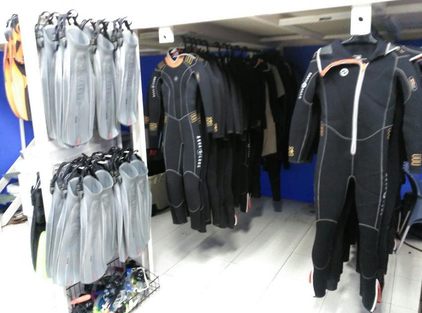 Equipment von Aqualung, Gran Canaria, Zeus Dive Center, Patalavaca, Arguineguín, Gran Canaria, Spanien, Kanarische Inseln