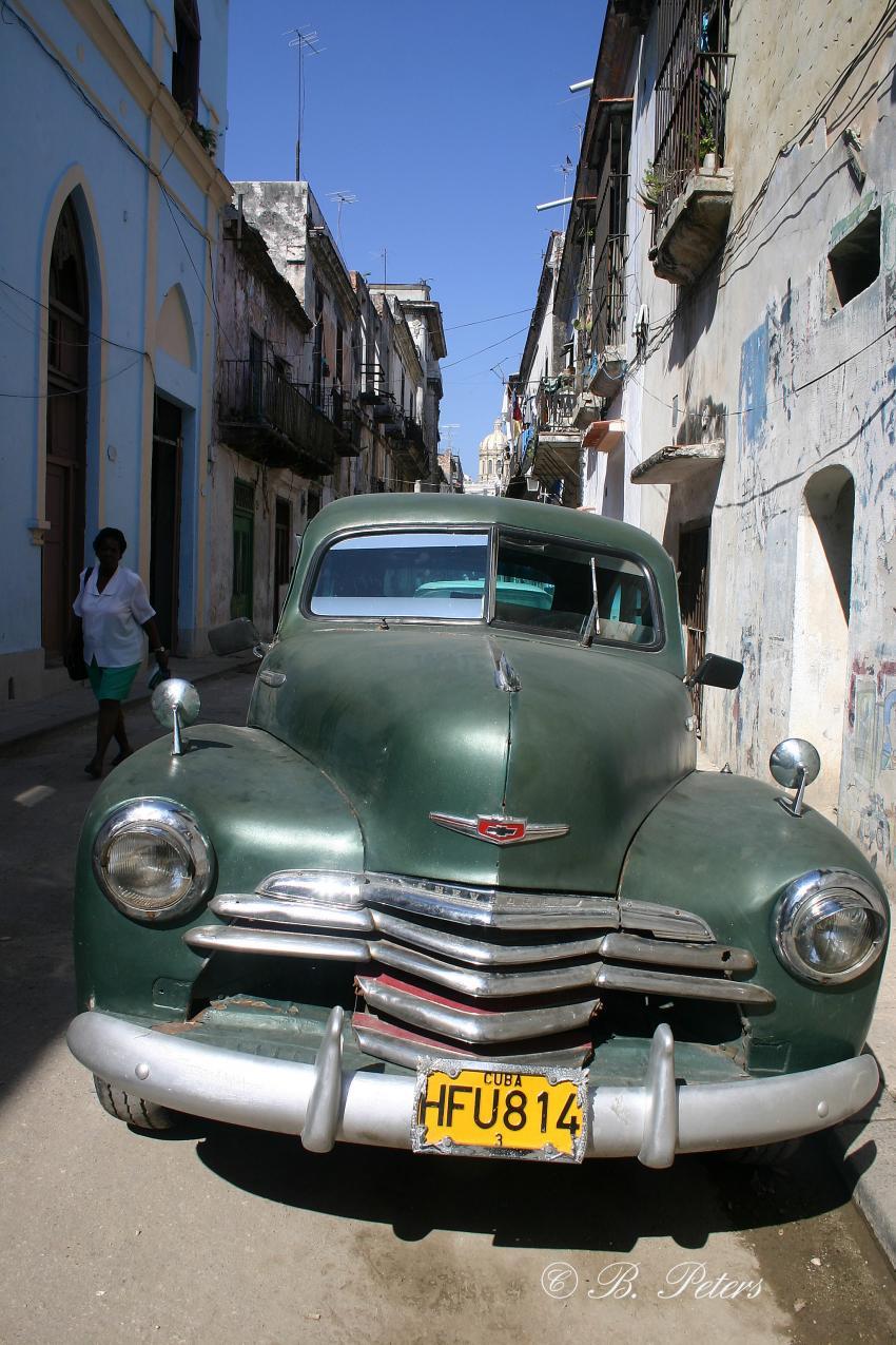 Habana, Habana,Kuba,Oldtimer,Schlitten,Gasse,Havanna