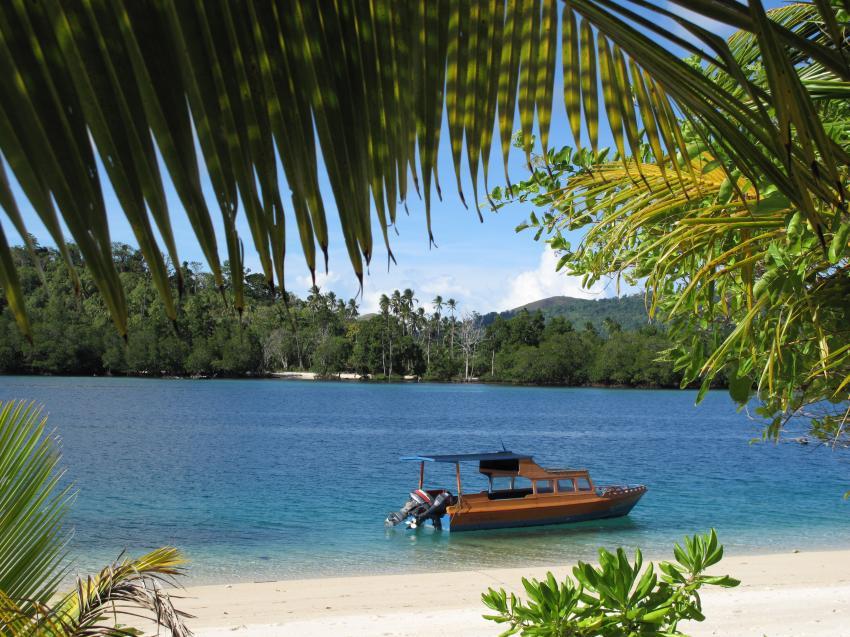 Pulau(= Insel) Sahaung (Bangka Archipel), Pulau Sahaung,Indonesien,Blue Bay,boot,strand,palmen