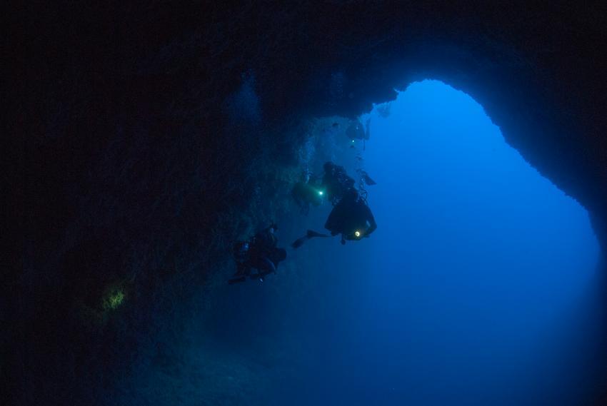 Grotteneingang Lauchinsel Nord