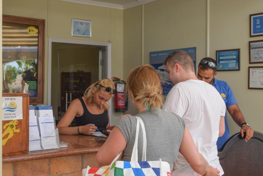 Check in im Ilios DC, Tauchen - Rotes Meer - Hurghada - Al Dau Resort, Ilios Dive Club & Aqua Center, Hurghada, Ägypten, Hurghada