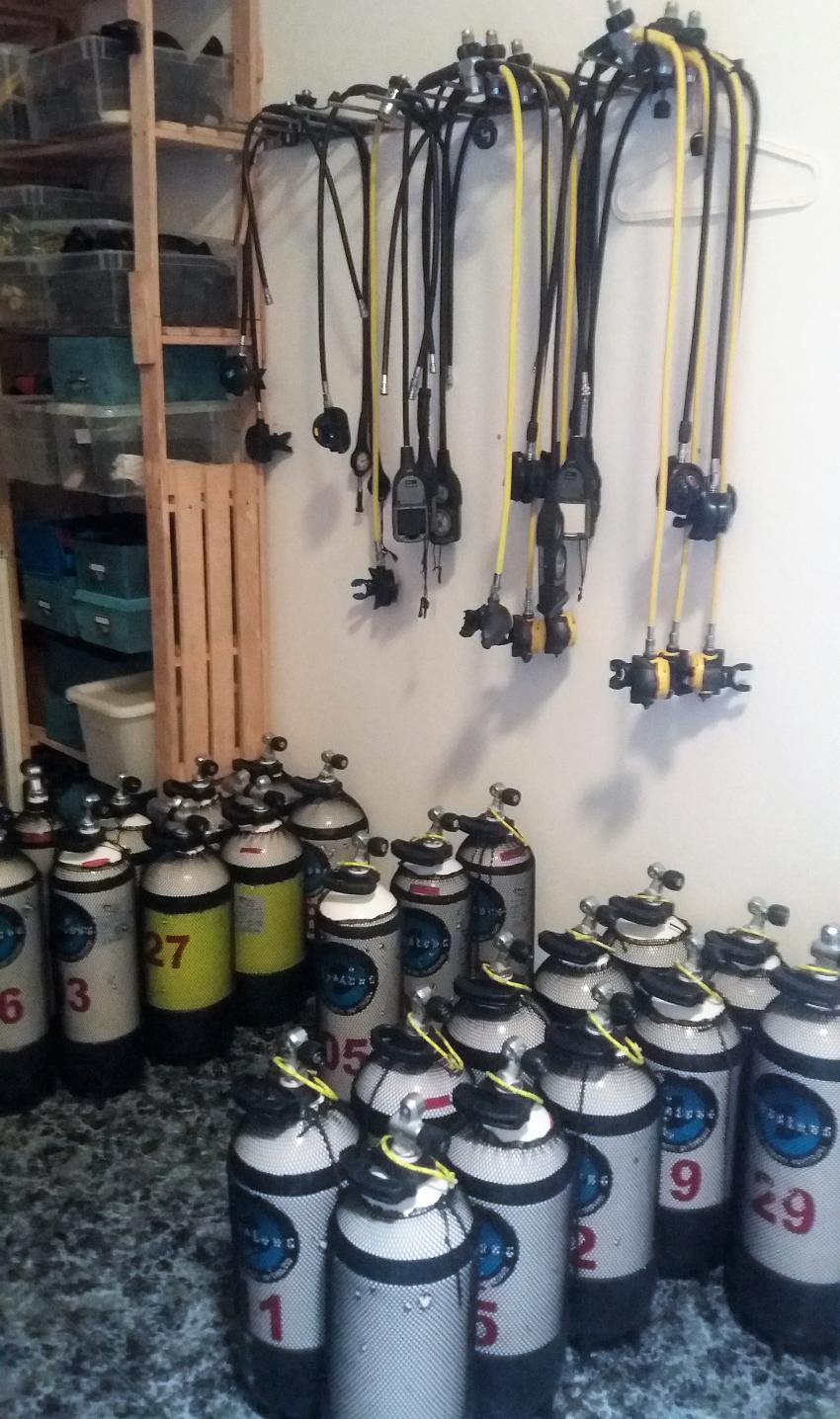 Flaschen 15/12/10 lt Stahl, Ocean World Dive Center, Tarajalejo, Fuerteventura, Spanien, Kanaren (Kanarische Inseln)