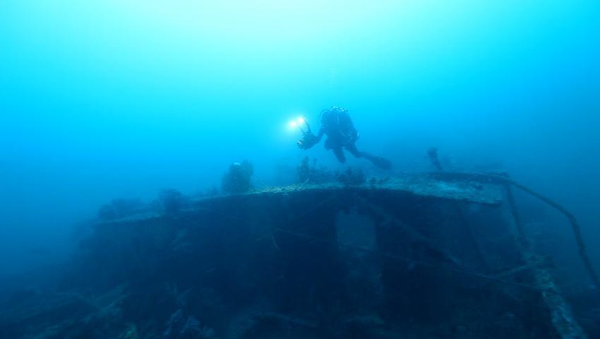 """SS San Juan mittschiffs - Bootsdeck, Wrack, SS San Juan, Wrack der SS """"San Juan"""", Ägypten"""