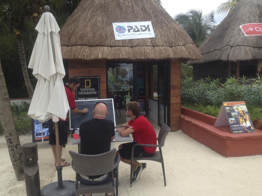 Pro Dive Basis am Pool - Catalonia Playa Maroma, Pro Dive Mexico, Catalonia Hotel,  Playa Maroma, Mexiko