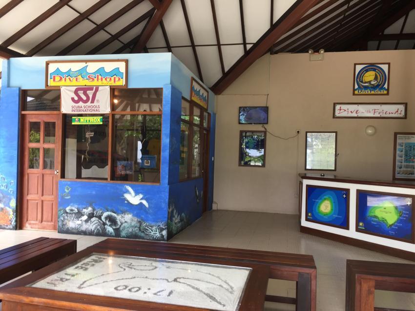 Tauchbasis , DivePoint, Meedhupparu, Malediven