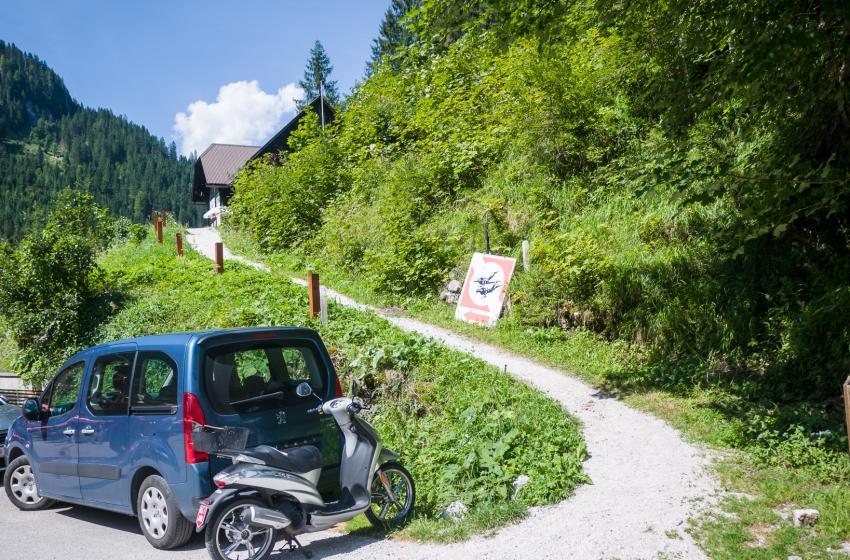 Weg zur Basis vom See, Tauchclub Dachstein-Salzkammergut, Österreich