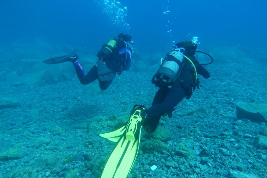 Taucherinnen in Radazul, Teneriffa, Kanarische Insels, Radazul, Teneriffa, Kanarische Insels, Scubanana Dive Center, Teneriffa, Spanien, Kanaren (Kanarische Inseln)