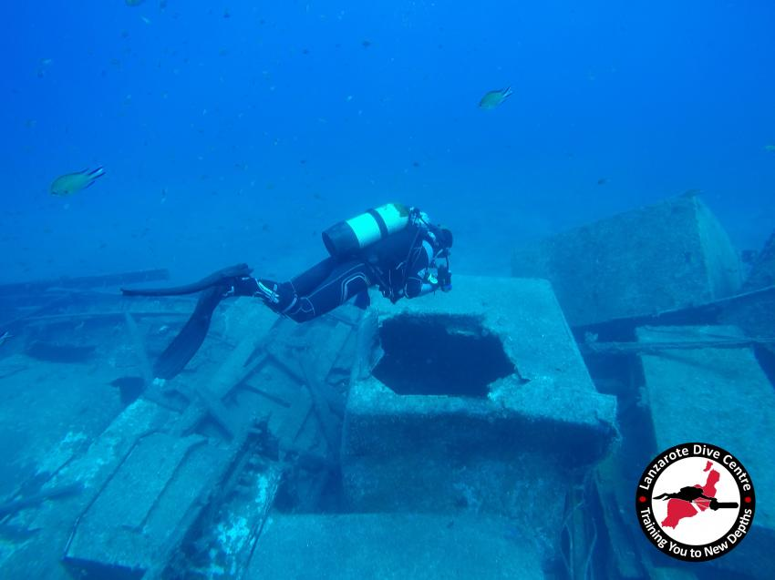 Tunos Wrack, Lanzarote Dive Centre, Tunos Wrack, FREE Nitrox, Lanzarote Dive Centre, Puerto del Carmen, Spanien, Kanaren (Kanarische Inseln)