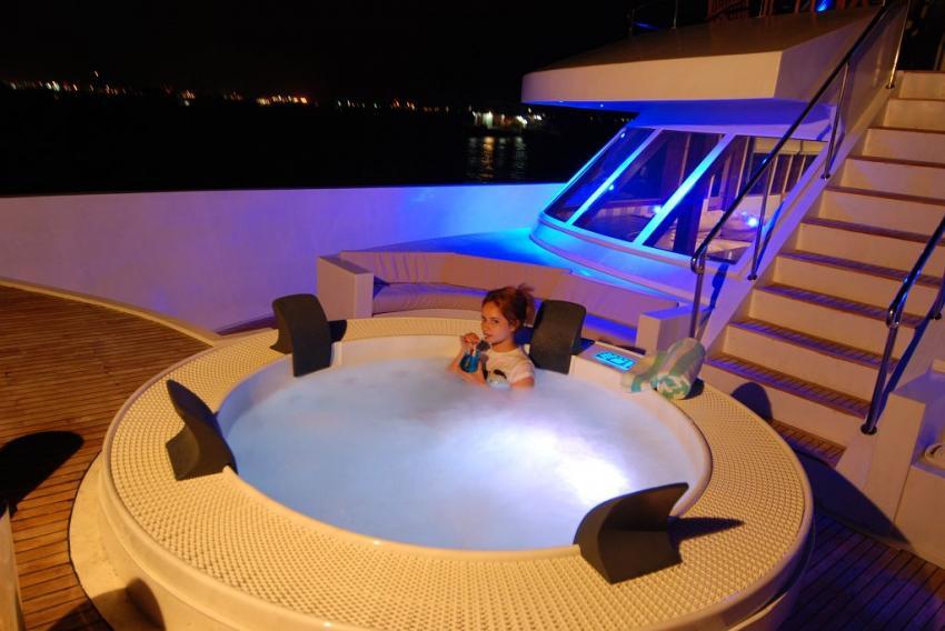 MV Leo, Malediven