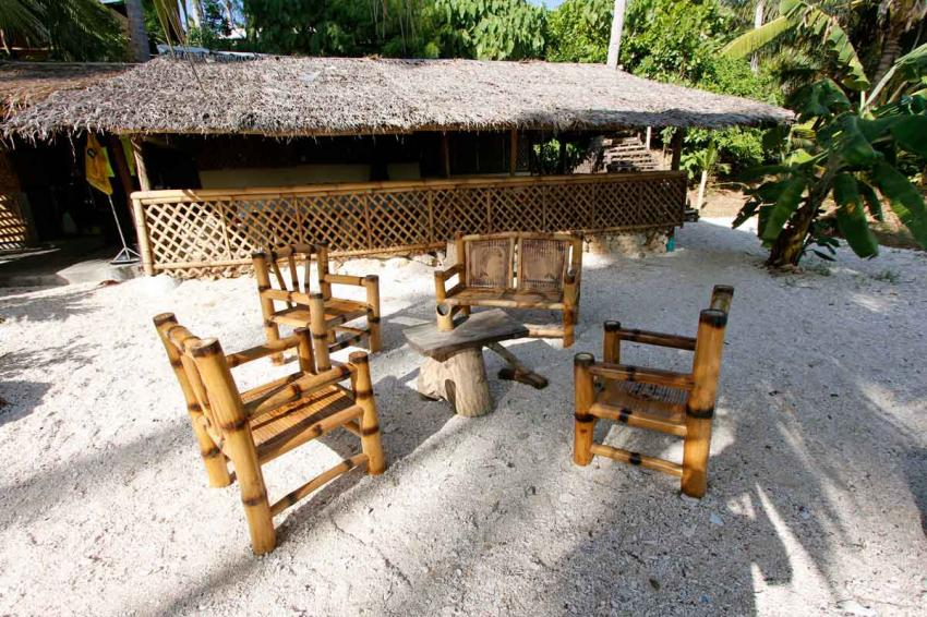 Bar & Sitting area, Island Divers Caluya, Antique, Philippinen
