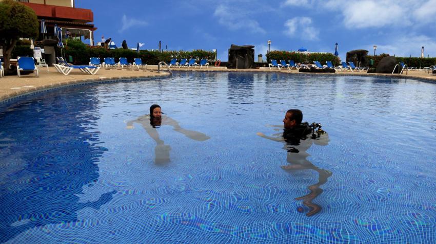 Pool zur Tauchausbildung, Tauchausbildung, Tauchkurse, Kindertauchen, Buceo-Sub La Palma, Spanien, Kanarische Inseln, pool, schwimmbad, poolausbildung