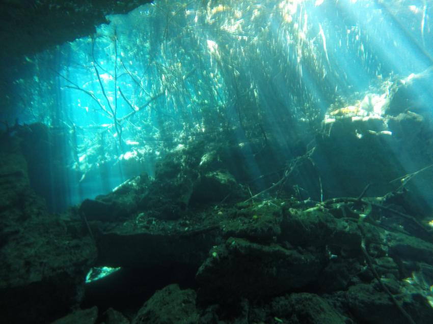 CENOTE ADVENTURES, Mexiko