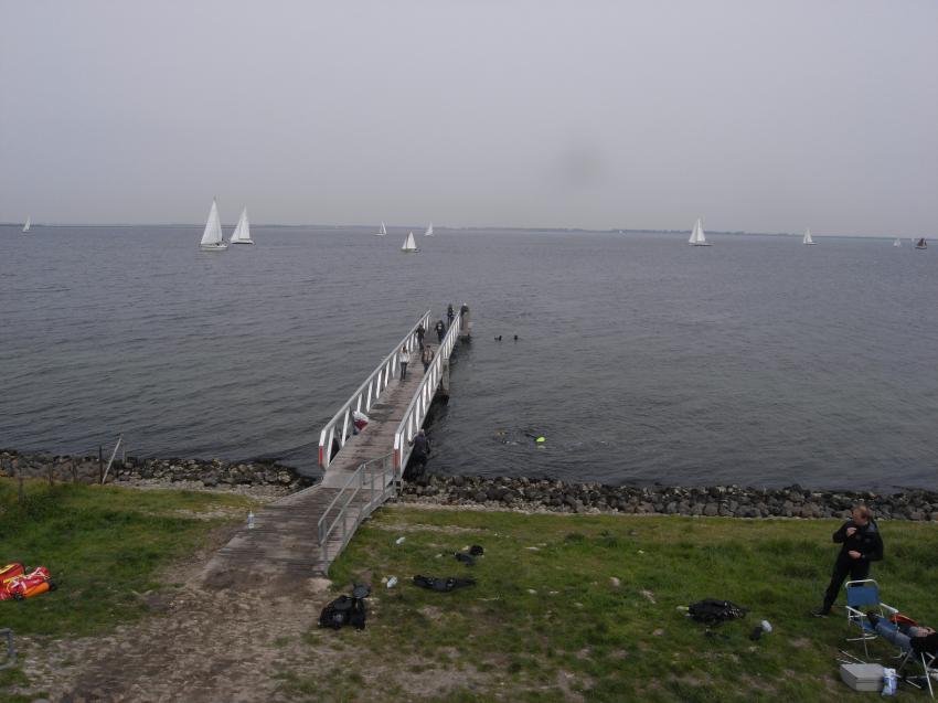 Dreischor Frans Kok Riff, Grevelinger Meer,Kunstriff Frans Kok,Niederlande,Steg,Meer,Einstieg