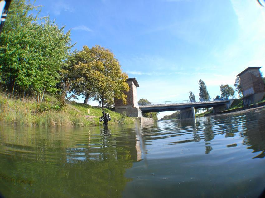 Saale - Elster kanal, Saale-Elster-Kanal,Sachsen,Deutschland,Kanal,Einstieg,Taucher