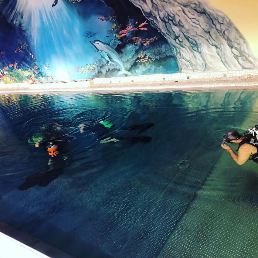 Pool first scuba lessen, Tauchturm Seiersberg, Österreich