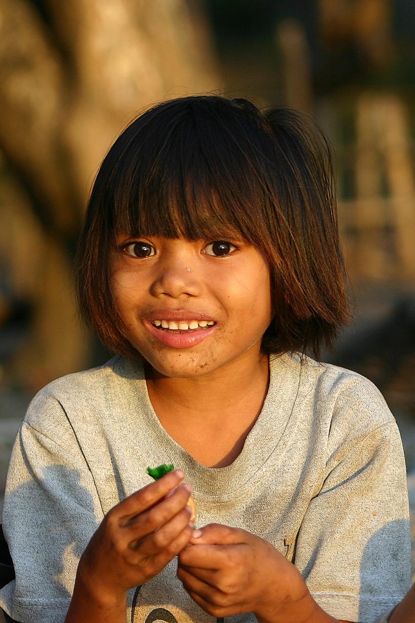 Pulau Satonda, Pulau Satonda,Indonesien,Einheimisches Kind,lächelt,Kind