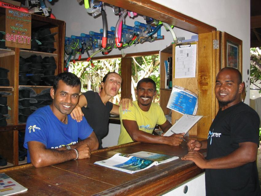 Reethi Beach( Baa Atoll), Reethi Beach,Malediven,tauchbasis,einheimische,tresen,anmeldung