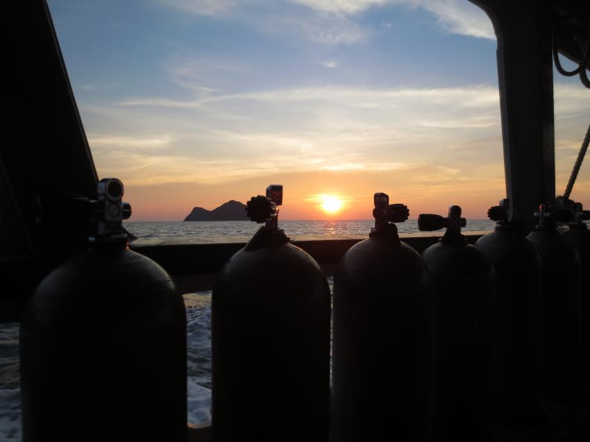 Drei Tauchgänge beim Sail Rock inklusive Sonnenuntergang bei der Rückfahrt., Member Diving, Koh Samui, Thailand, Golf von Thailand