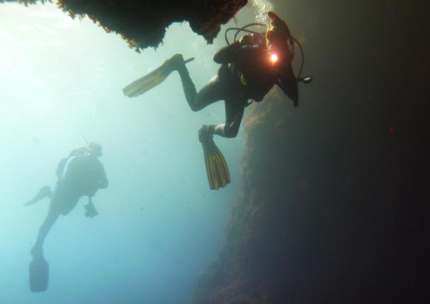Höhleneingang, Punta Dive (Cala Martina), Spanien, Balearen